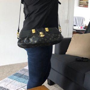Louis Vuitton Bags - Louis Vuitton very vintage purse!